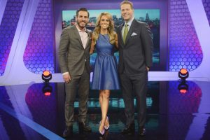"""BATTLEBOTS -  The robot shrapnel will fly in the BattleBox this summer, with expert play-by-play analysis from veteran sports broadcaster Chris Rose, and color commentary from former UFC fighter Kenny Florian. Hosted by celebrated sports anchor Molly McGrath, """"BattleBots"""" premieres SUNDAY, JUNE 21 (9:00- 10:00 p.m., ET) on the ABC Television Network. (ABC/David Moir) KENNY FLORIAN, MOLLY MCGRATH, CHRIS ROSE"""